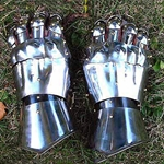 Lords Gauntlets AW1091