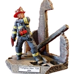 New York Fire Fighter 3-Resin Figurine MEFWR008
